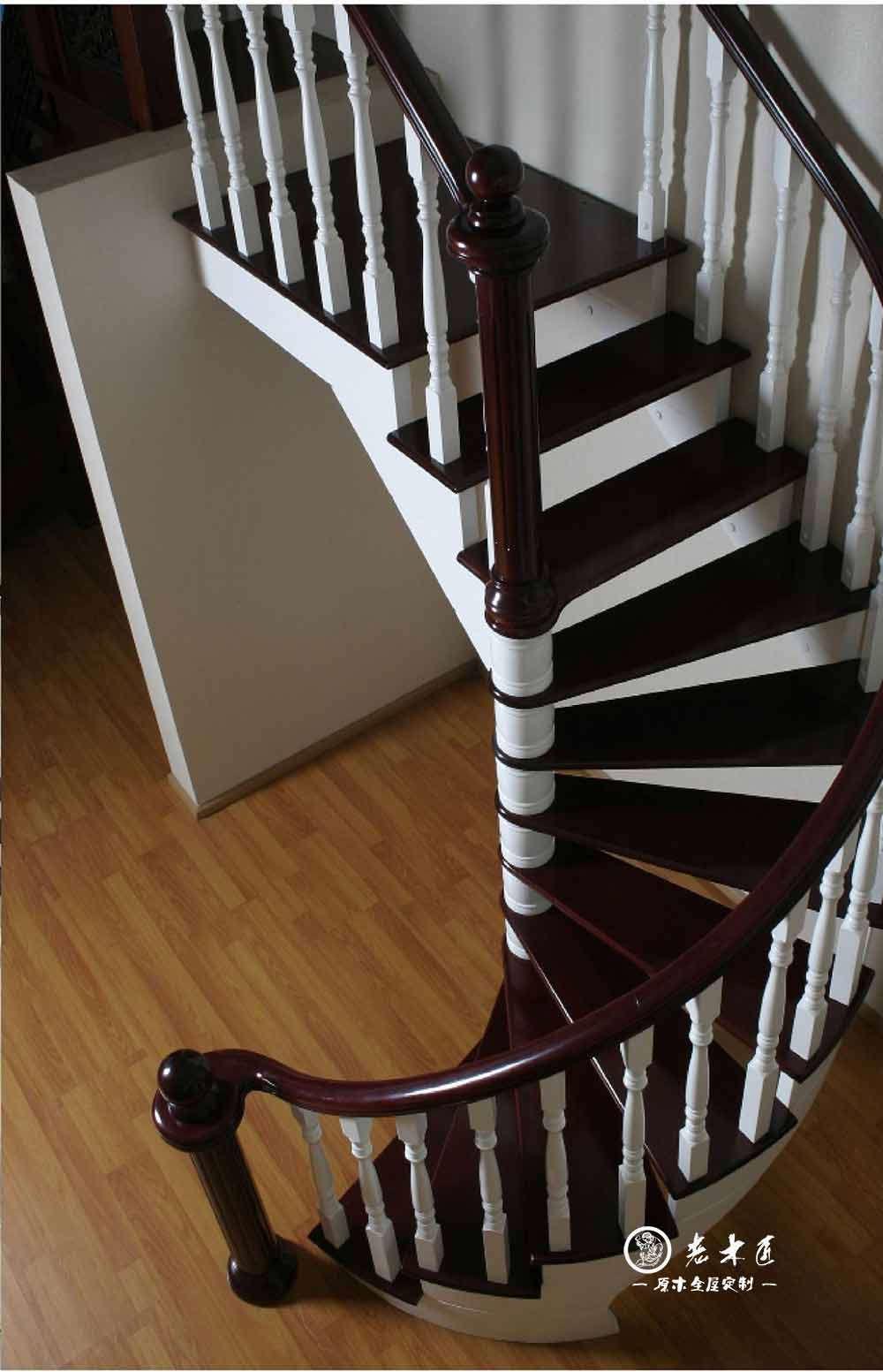 老木匠楼梯厂家 楼梯装修效果图