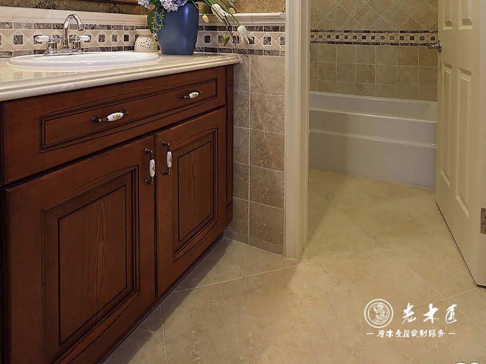 原木浴室柜装修效果图