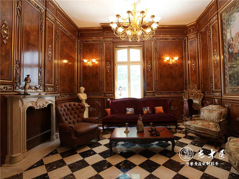 美式客厅护墙板装修效果图